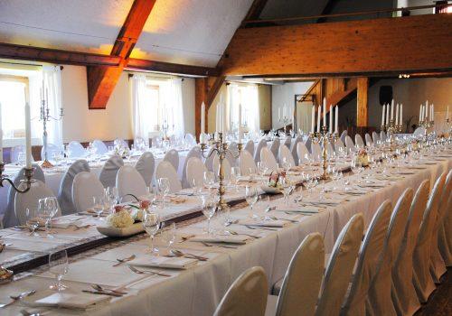 Saal_Hochzeitstafel